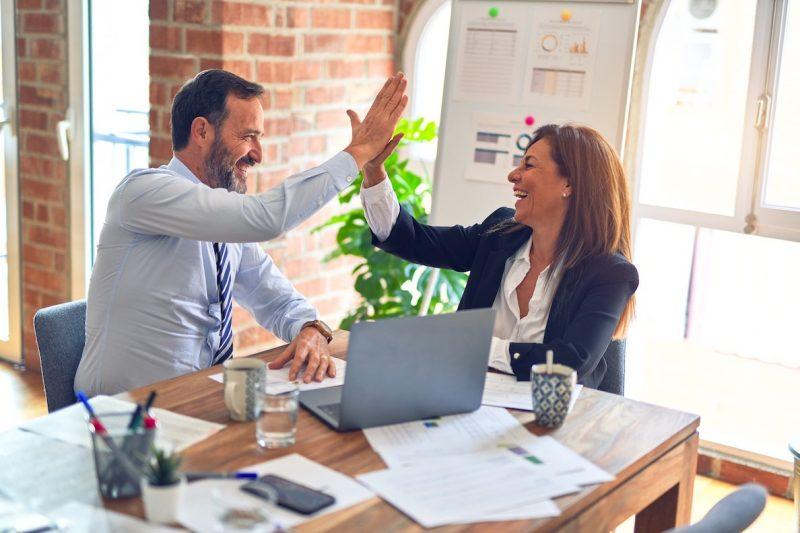 Mood Finance accompagne les professionnels pour la transmission d'entreprise et un accord réussi